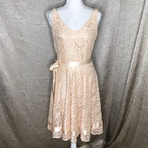 Tahari Peach Lace Overlay Fully Lined Dress Size 4